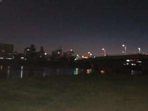 旭川河川敷夜景